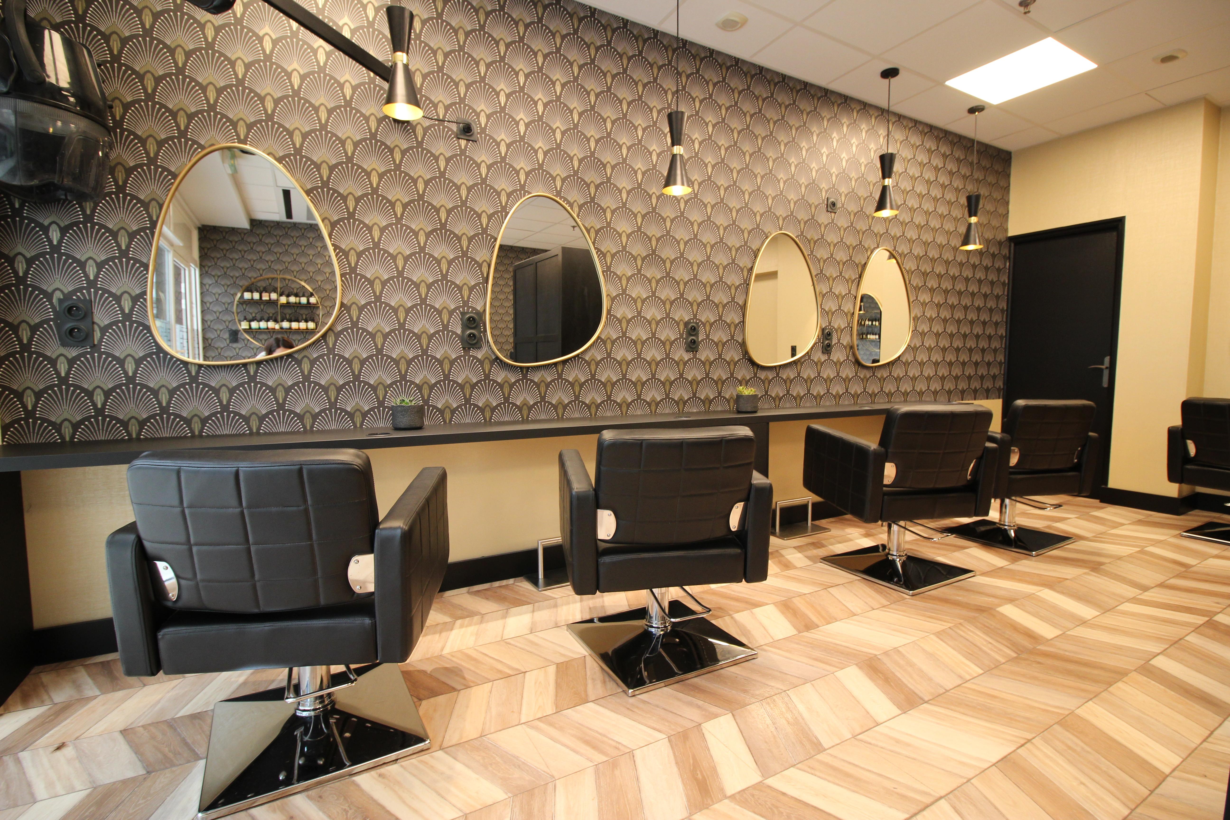 Rénovation et décoration d\'un salon de coiffure à Guingamp ...